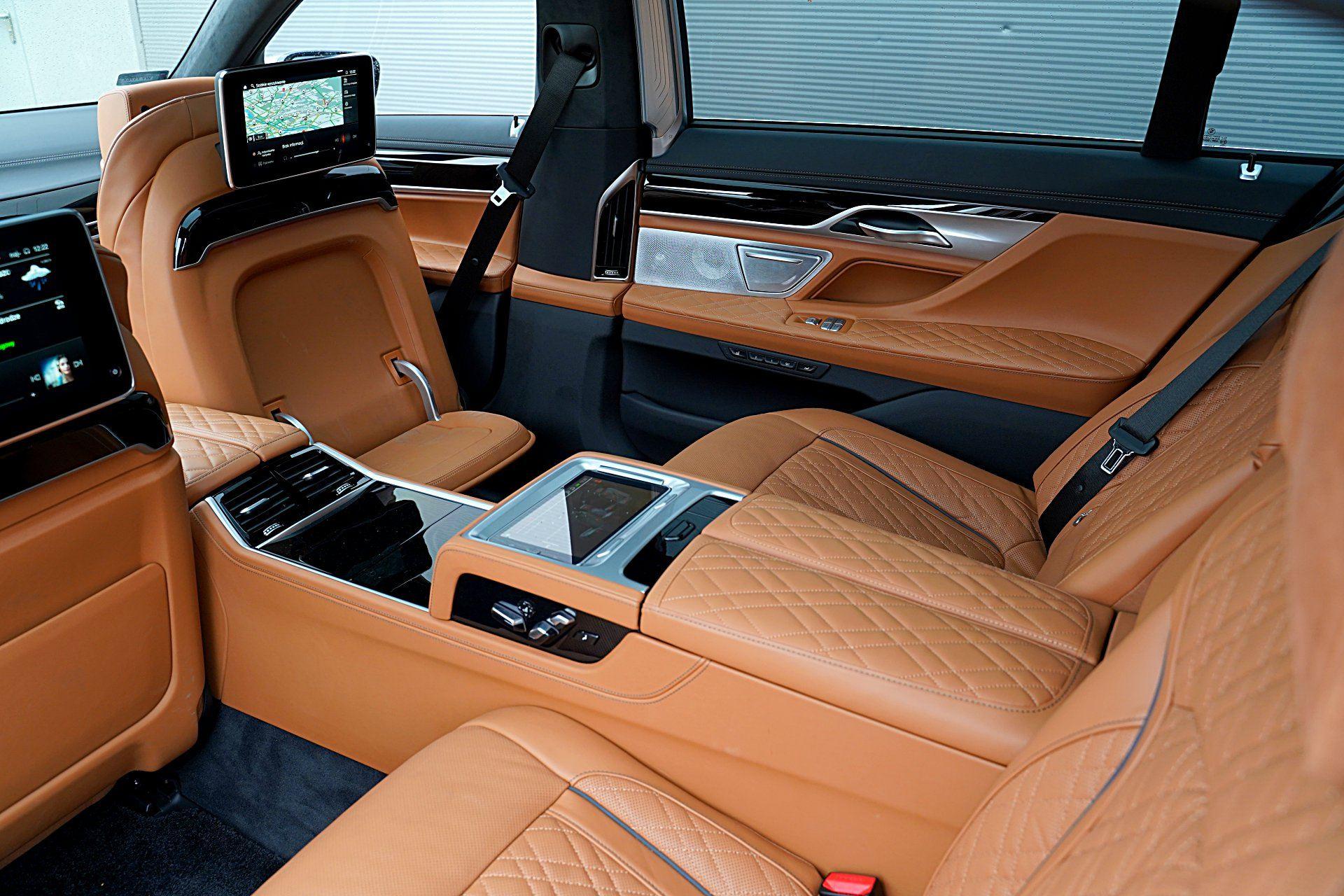 BMW 745Le G12 FL Plug-In Hybrid 3.0T fotele z tyłu