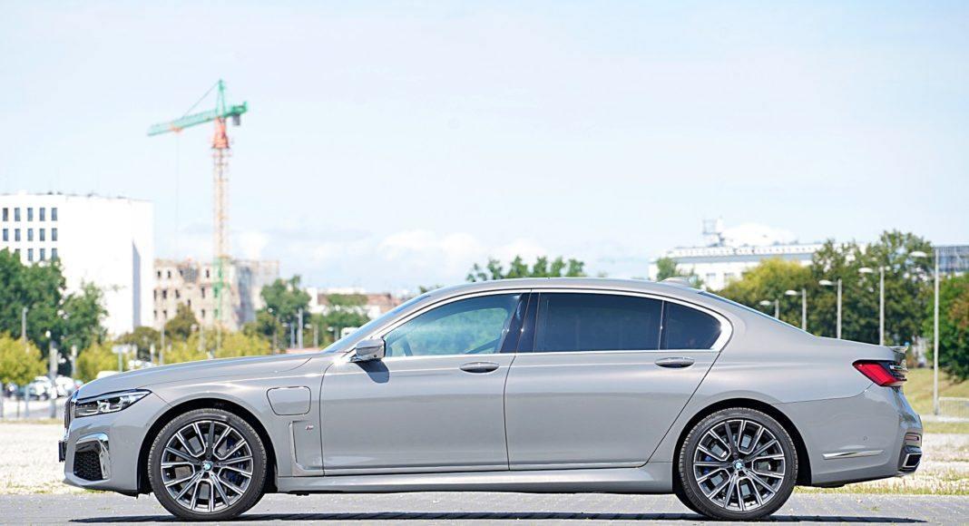 BMW 745Le xDrive – bok
