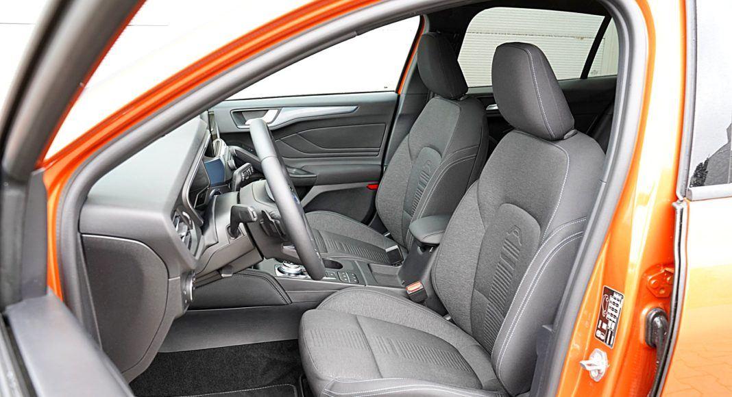 Ford Focus Active Kombi 2.0 EcoBlue – fotele