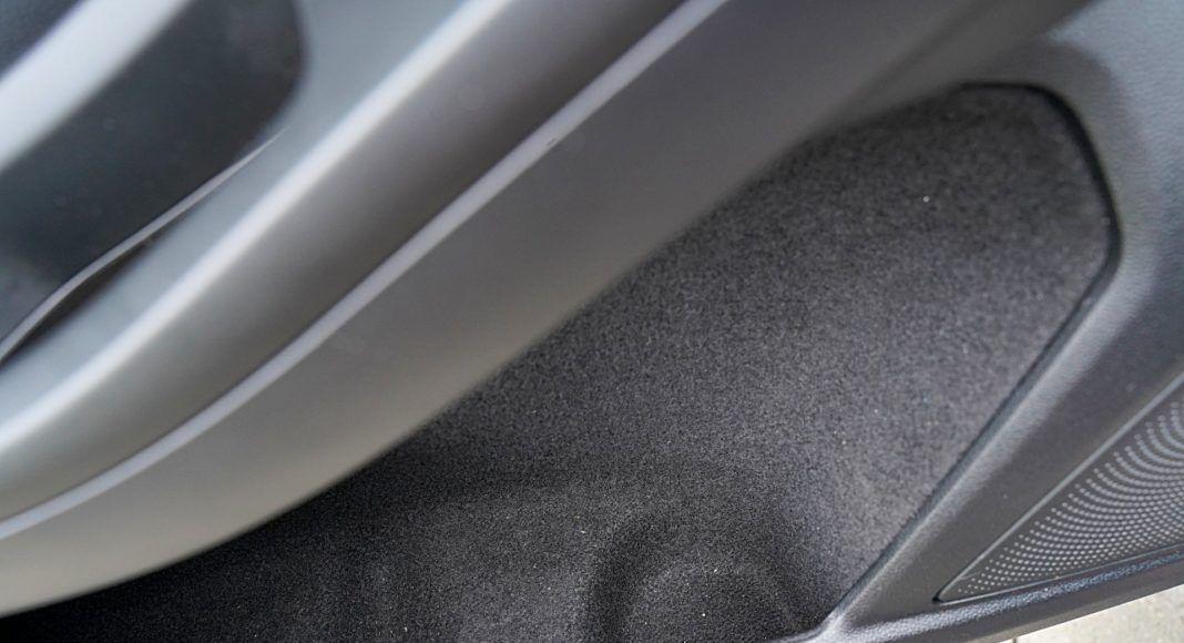 Ford Focus Active Kombi 2.0 EcoBlue – kieszeń w drzwiach