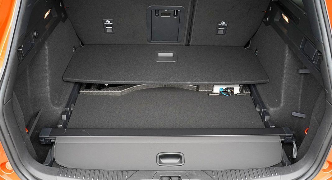 Ford Focus Active Kombi 2.0 EcoBlue – schowek w bagażniku