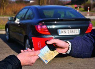 Zawiadomienie o kupnie pojazdu - jak i gdzie to zrobić oraz w jakim terminie?