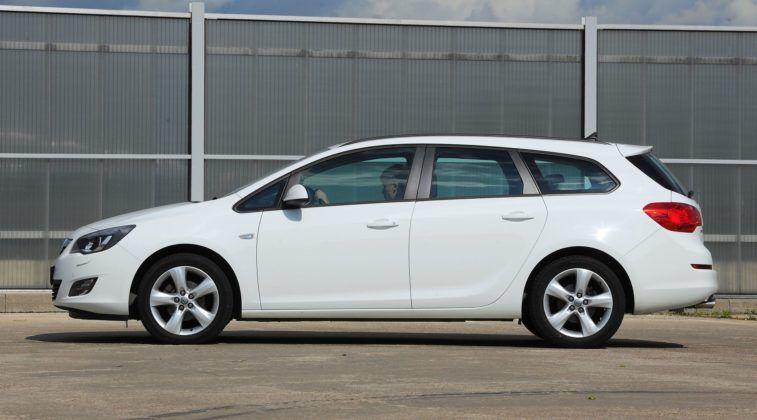 Opel Astra J Sports Tourer