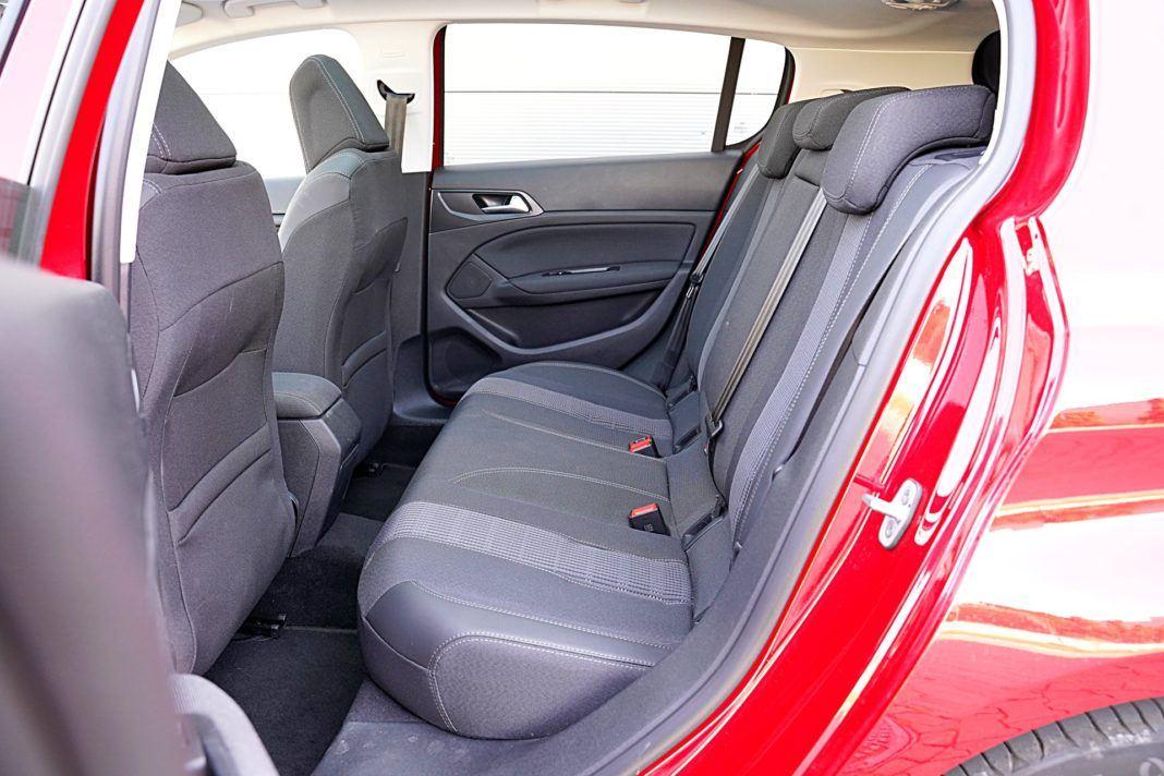 Peugeot 308 – kanapa