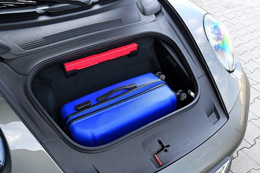 Porsche 911 Carrera 4S Cabriolet – bagażnik