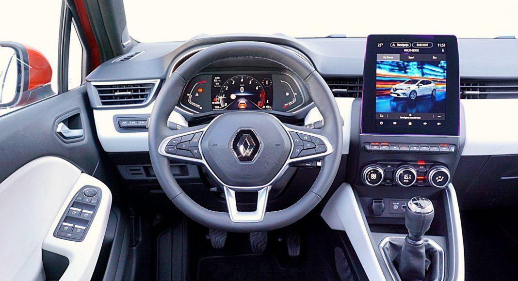 Renault Clio 1.0 TCe 100 Intens – deska rozdzielcza