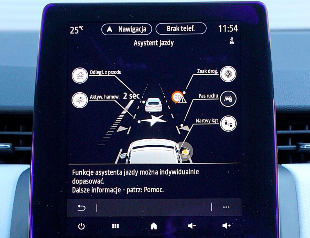 Renault Clio 1.0 TCe 100 Intens – wyświetlacz systemy bezpieczeństwa