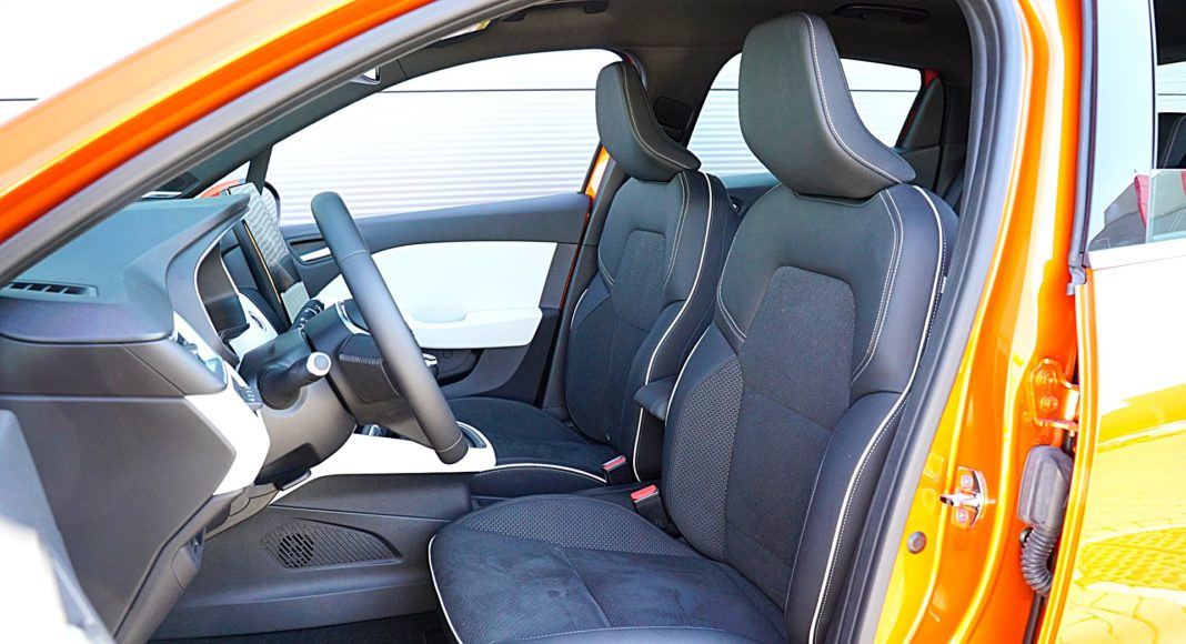 Renault Clio 1.0 TCe 100 Intens – fotele