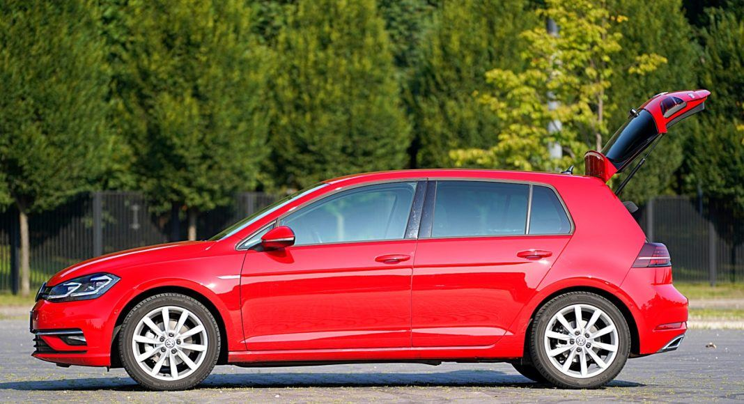 Volkswagen Golf – bok bagażnik