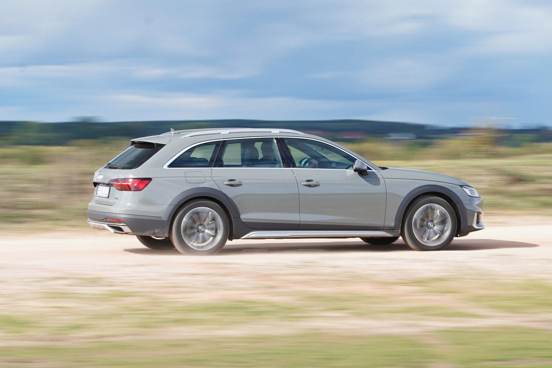 Audi A4 allroad quattro - bok