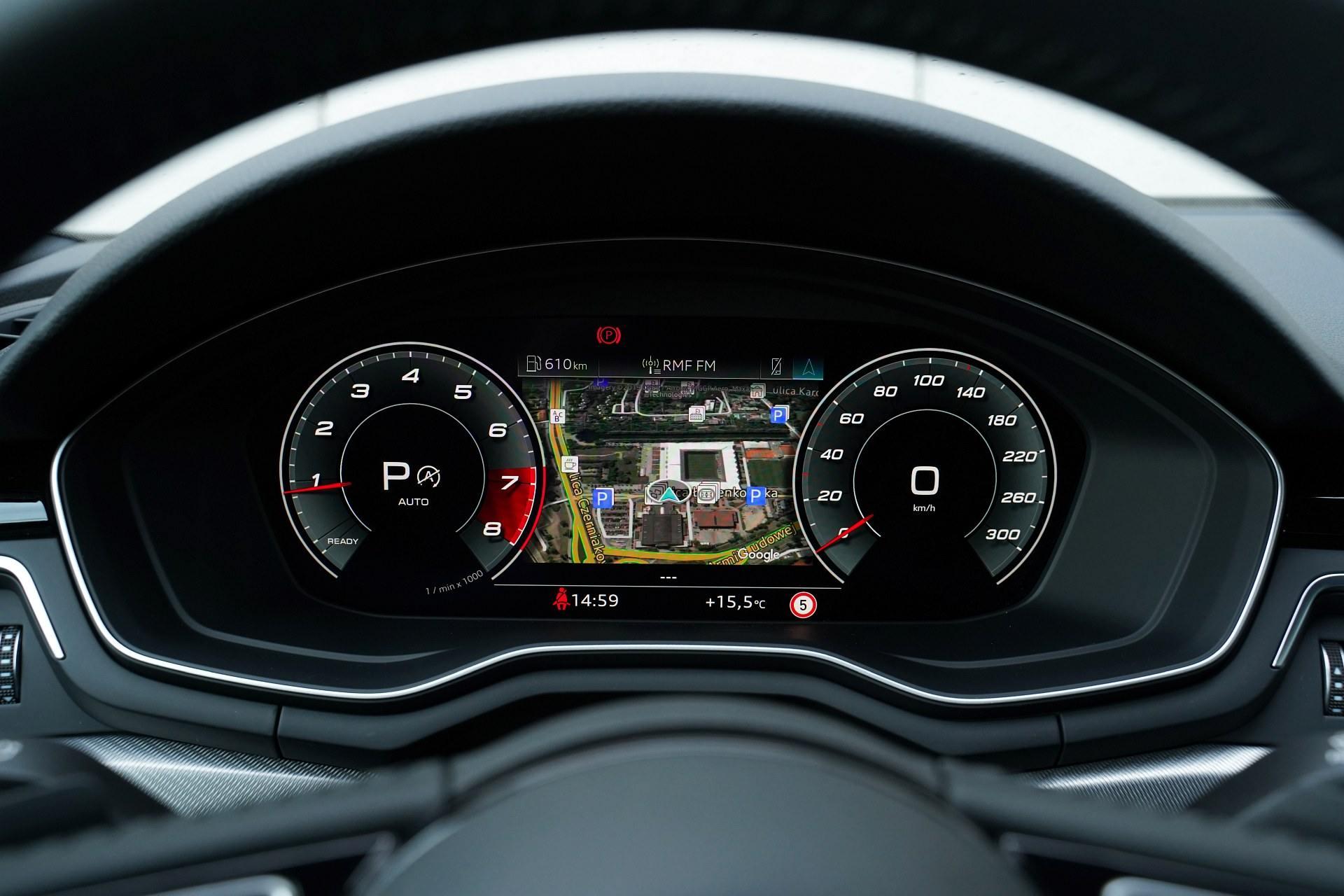Audi A4 allroad quattro - cyfrowe zegary