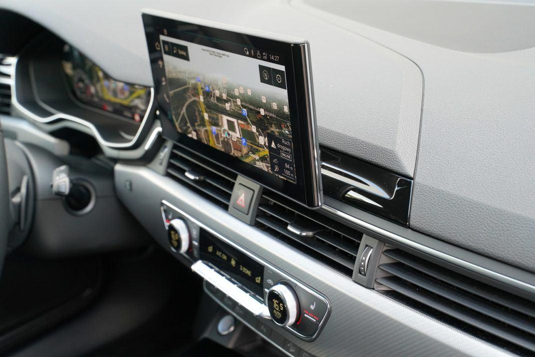 Audi A4 allroad 45 TFSI quattro S tronic - dotykowy ekran systemu multimedialnego