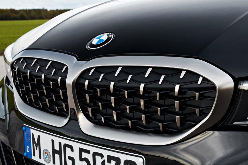 BMW M340i xDrive - grill
