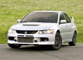 Trzy fabrycznie nowe Mitsubishi Lancer Evo IX. Takie rzeczy tylko w USA