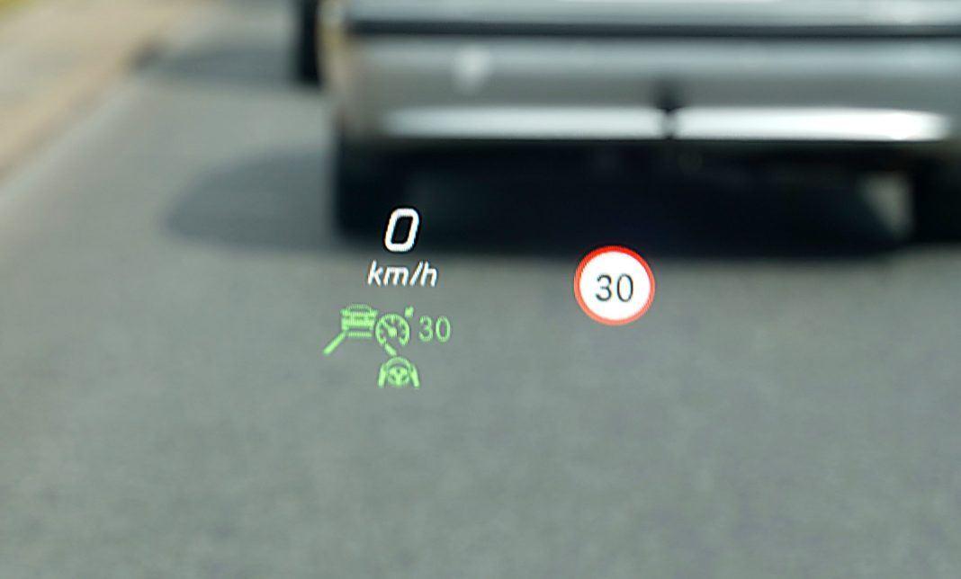 Mercedes CLA – head-up-display