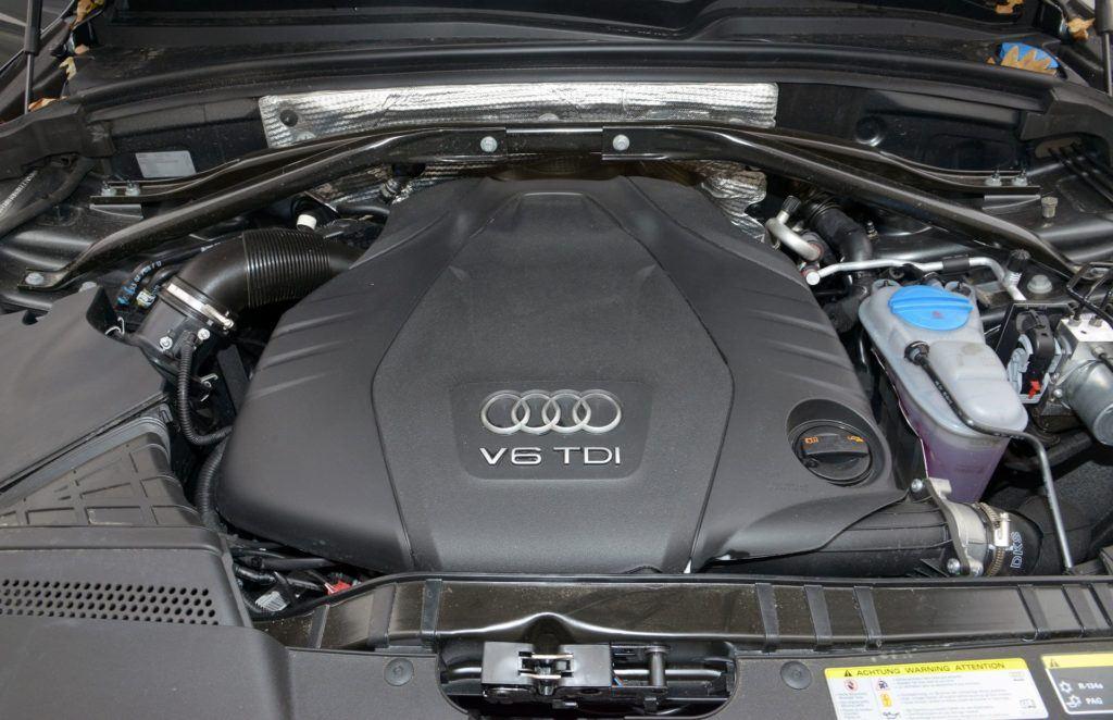 AUDI Q5 I FL S-Line 3.0TDI V6 245KM 7AT S-tronic Quattro PO695UX 11-2012