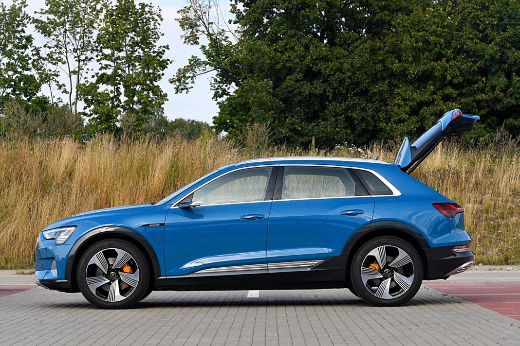 Audi e-tron 55 quattro advanced – bok bagażnik