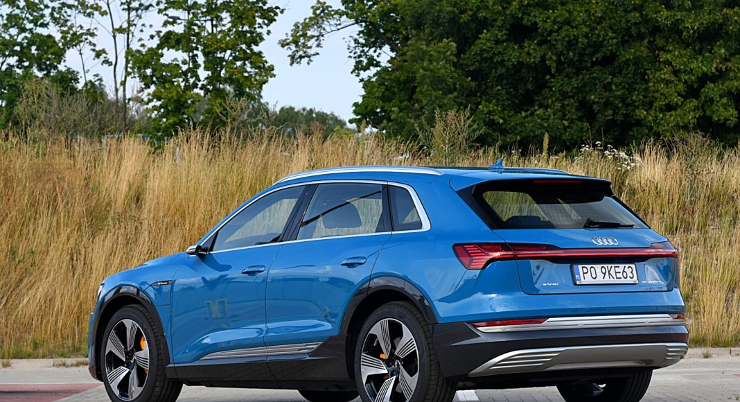 Audi e-tron 55 quattro advanced – tył
