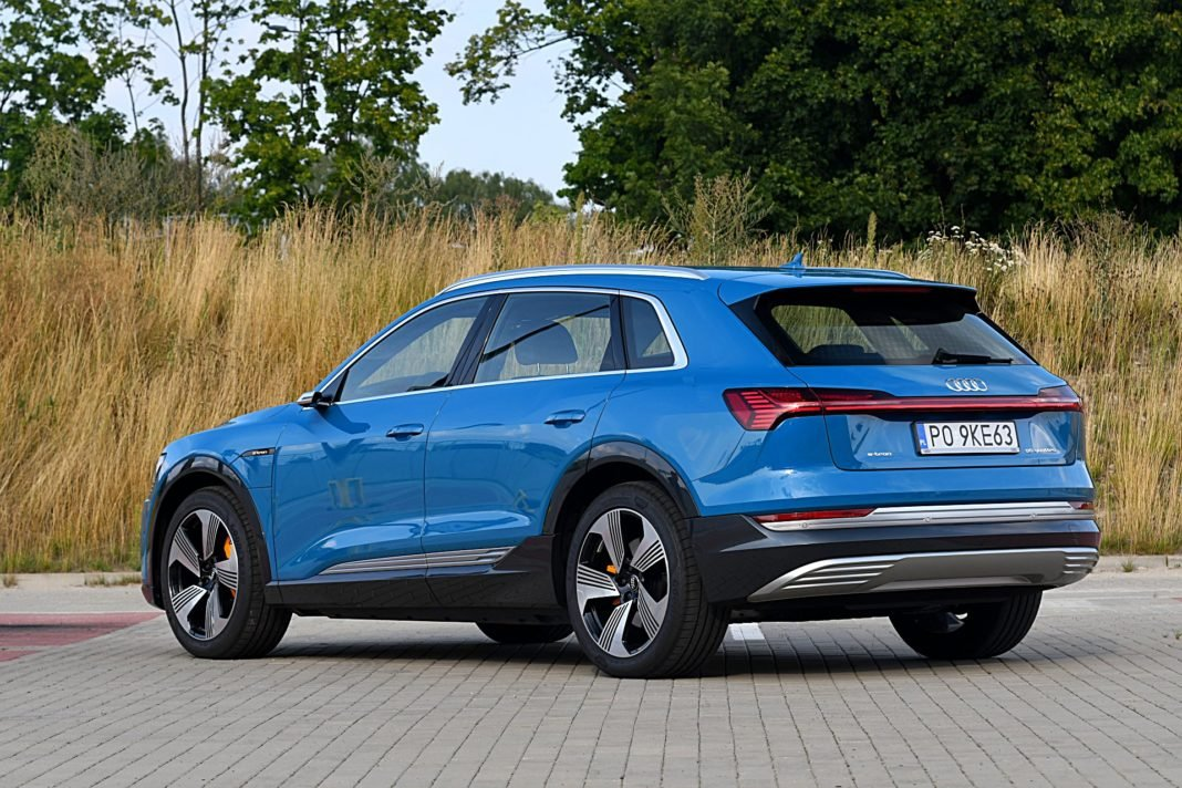 Audi e-tron 55 quattro advanced – tył