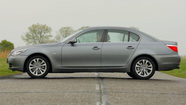 BMW serii 5 (E60) - bok