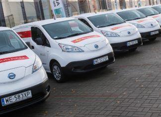 Poczta Polska stawia na elektromobilność. Wybrała Nissany e-NV200