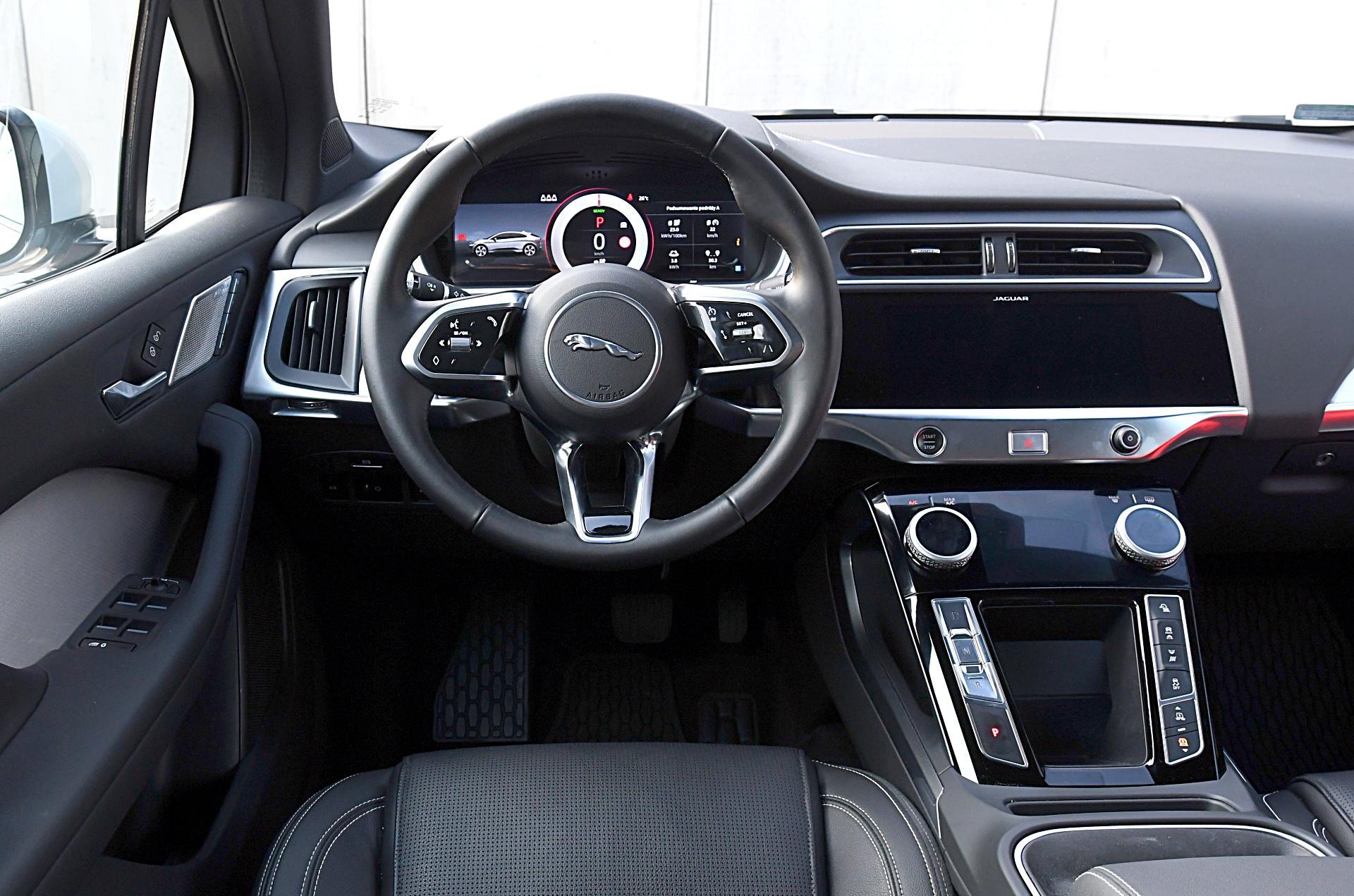 JAGUAR I-Pace EV400 deska rozdzielcza