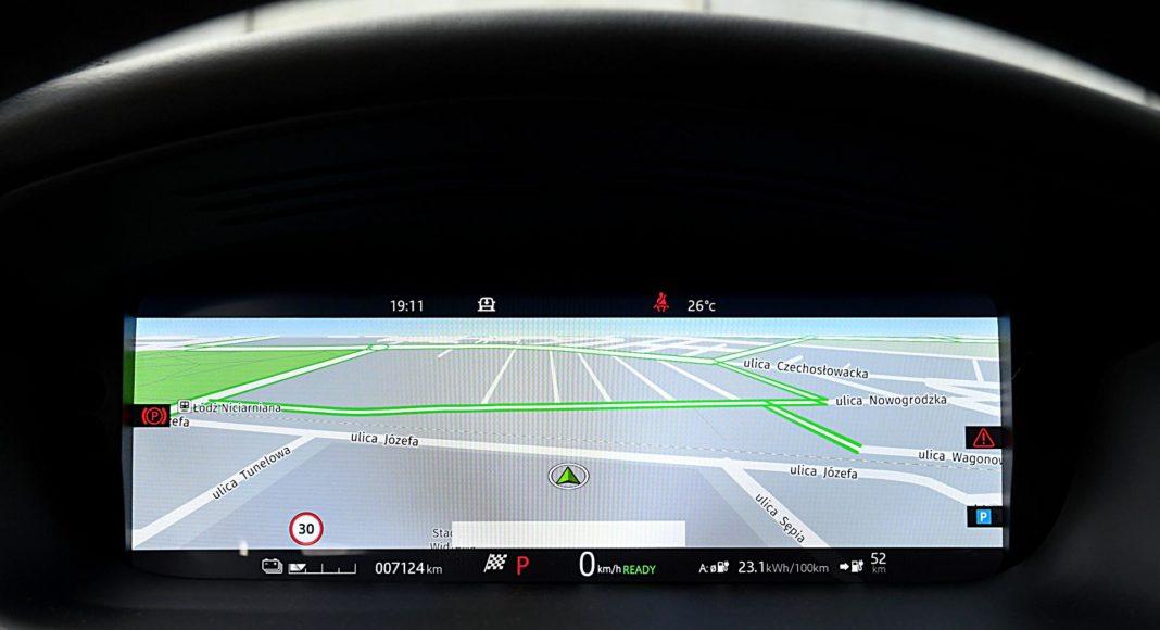 Jaguar I-Pace EV400 AWD – wyświetlacz nawigacja