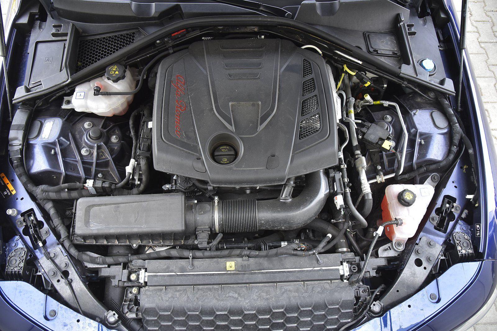 alfa romeo giulia 2.0 turbo q4 2019