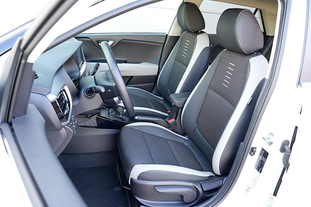Kia Stonic 1.0 T-GDI 6MT XL – fotele