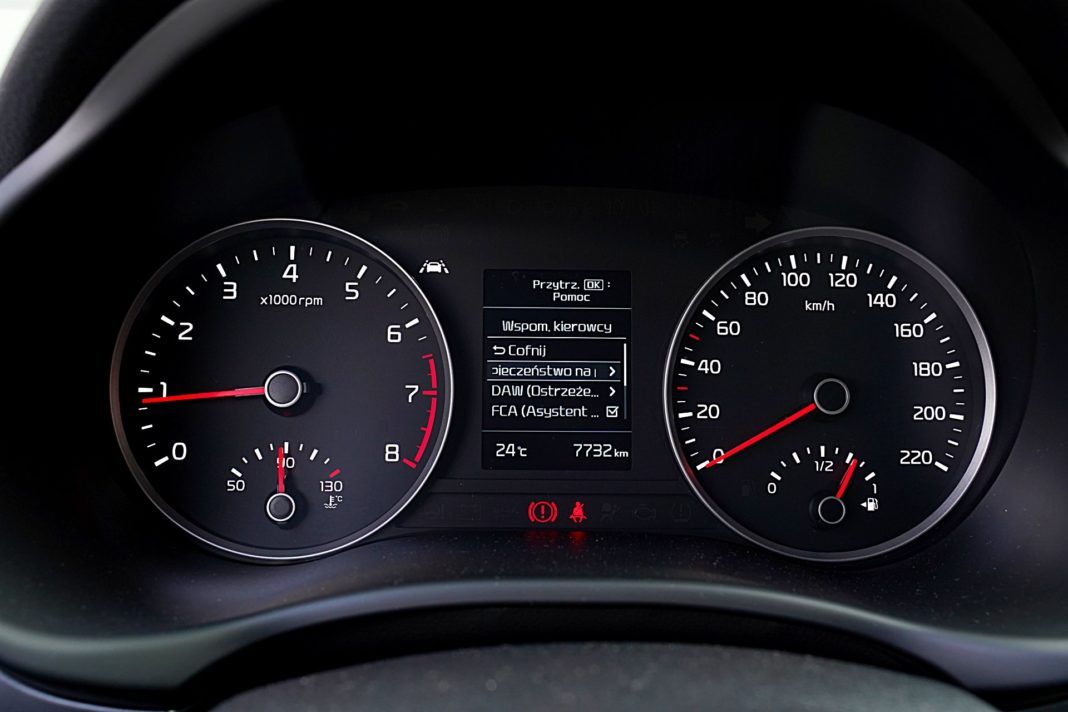 Kia Stonic 1.0 T-GDI 6MT XL – wskaźniki