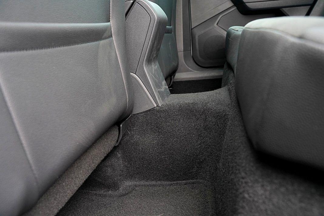 Seat Arona 1.0 TSI 115 Xcellence – tunel środkowy