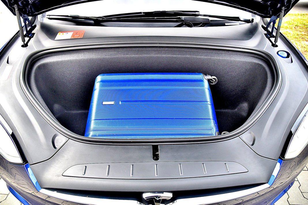 Tesla Model X Long Range – przedni bagażnik