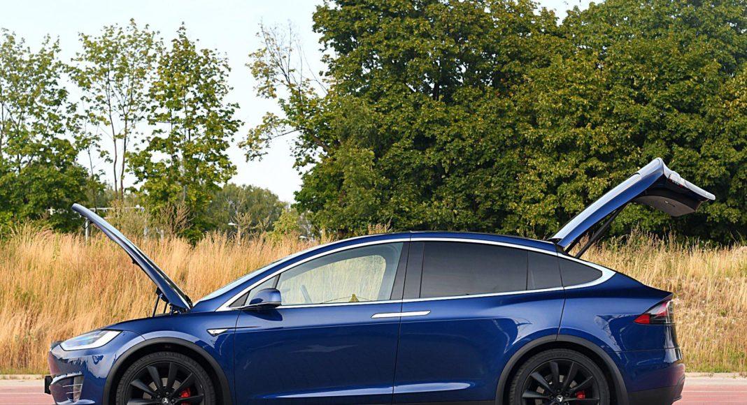 Tesla Model X Long Range – bagażniki