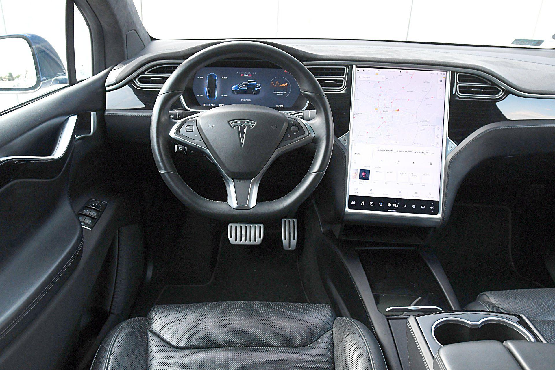 TESLA Model X – deska rozdzielcza