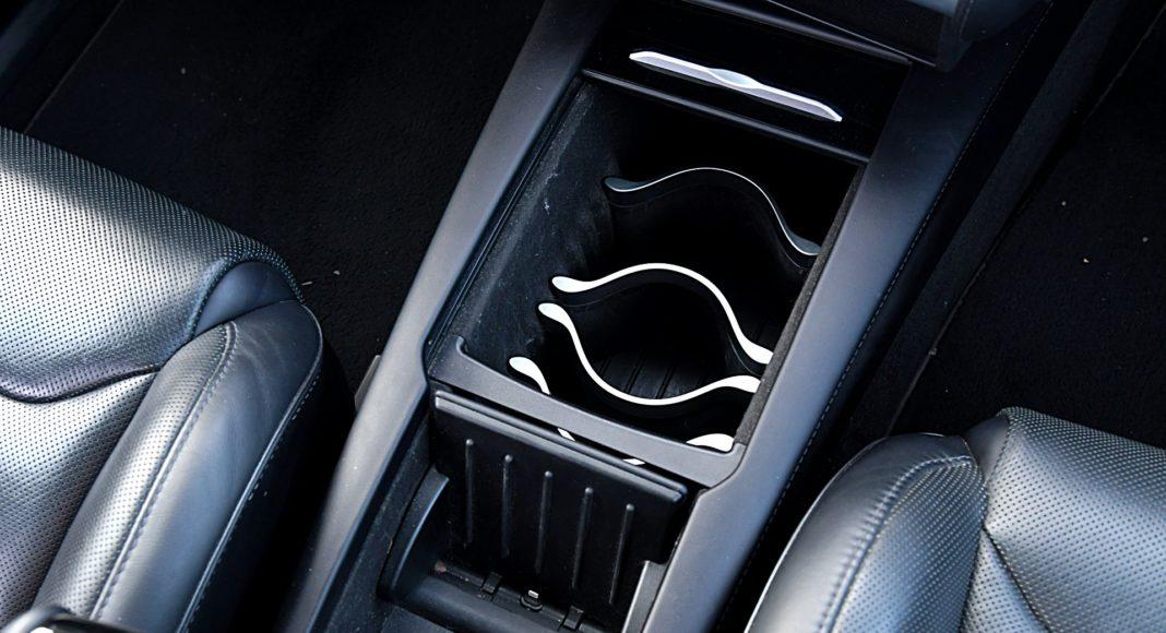 Tesla Model X Long Range – schowek