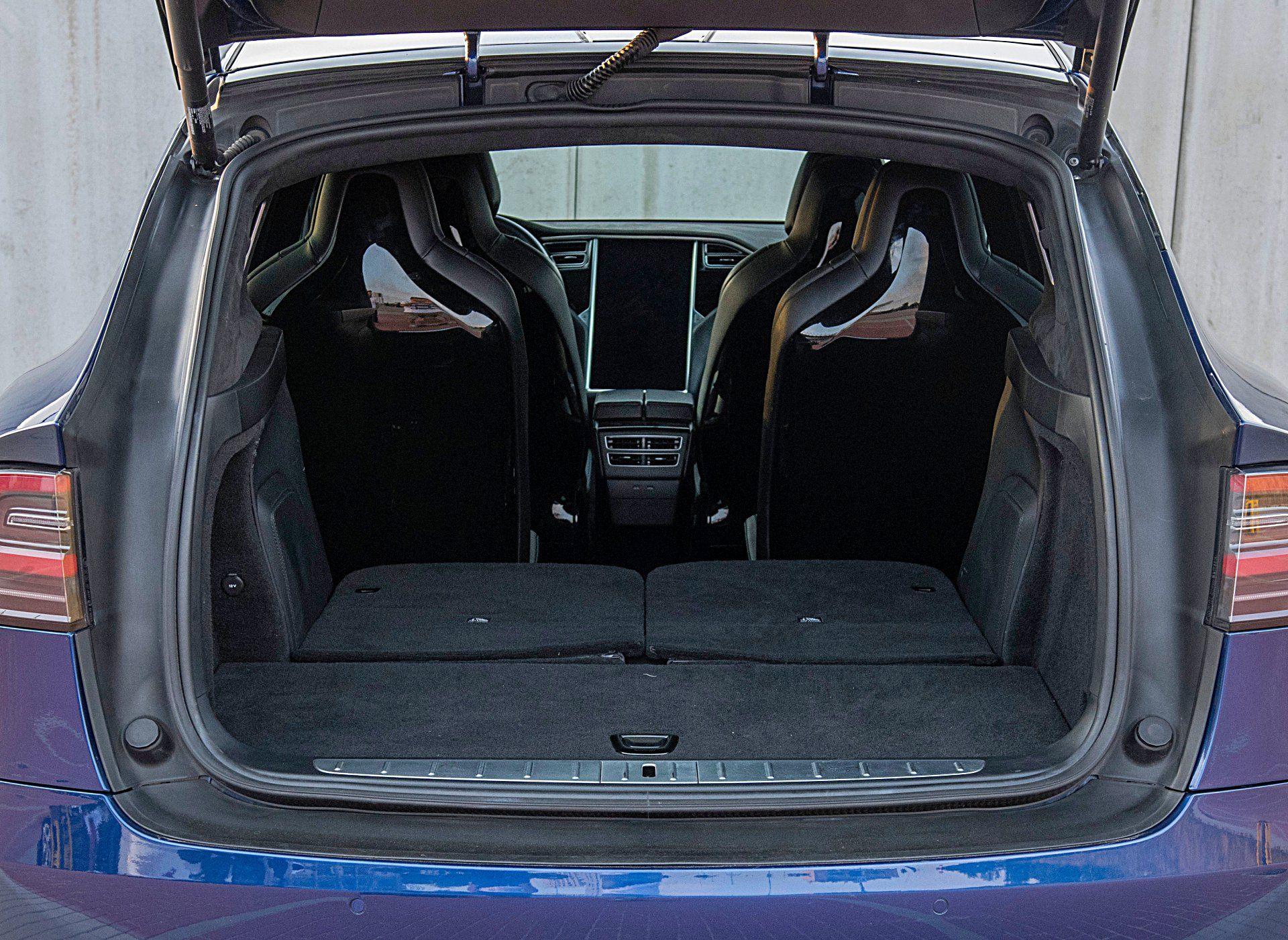 Tesla Model X – bagażnik