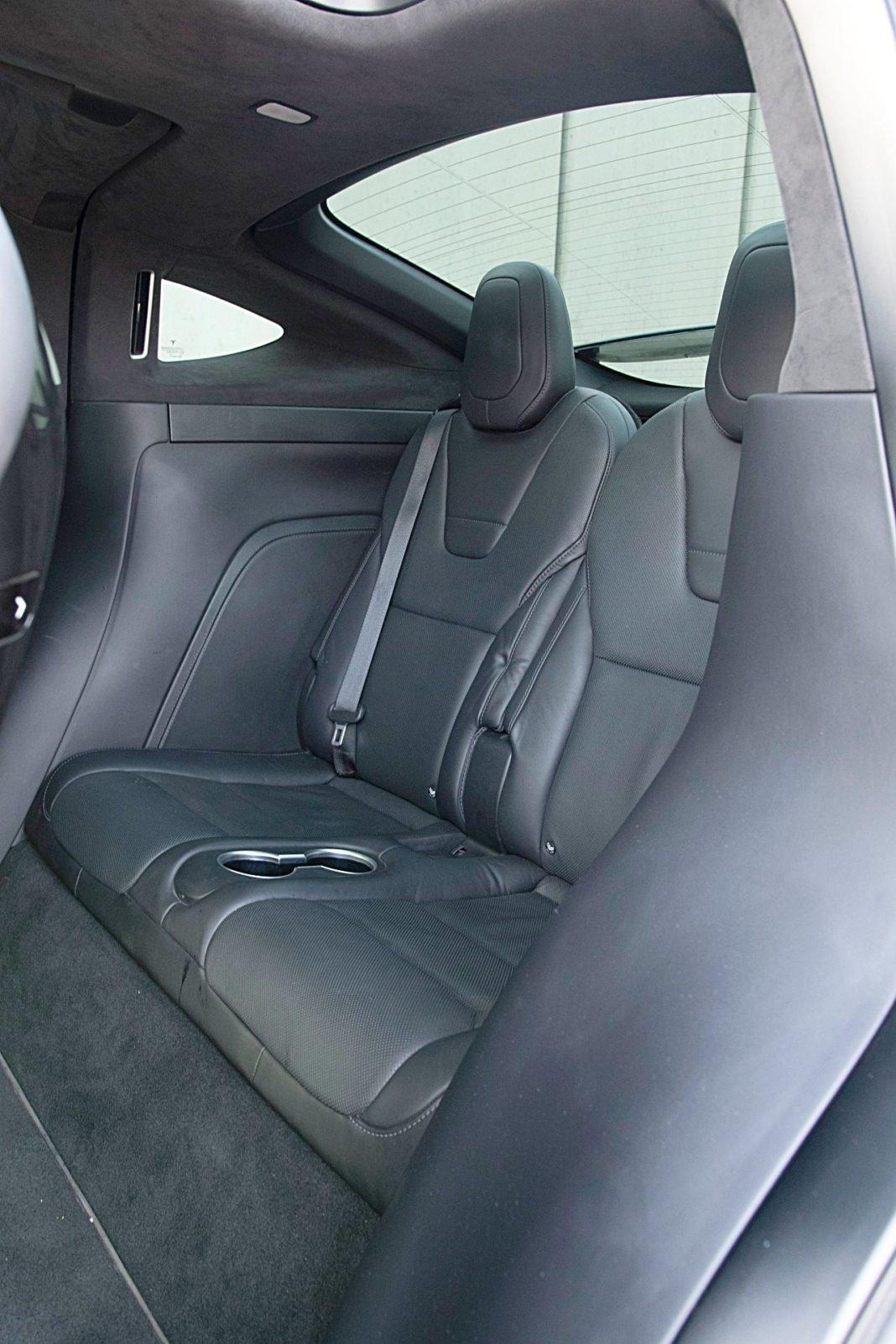 Tesla Model X Long Range – fotele: trzeci rząd