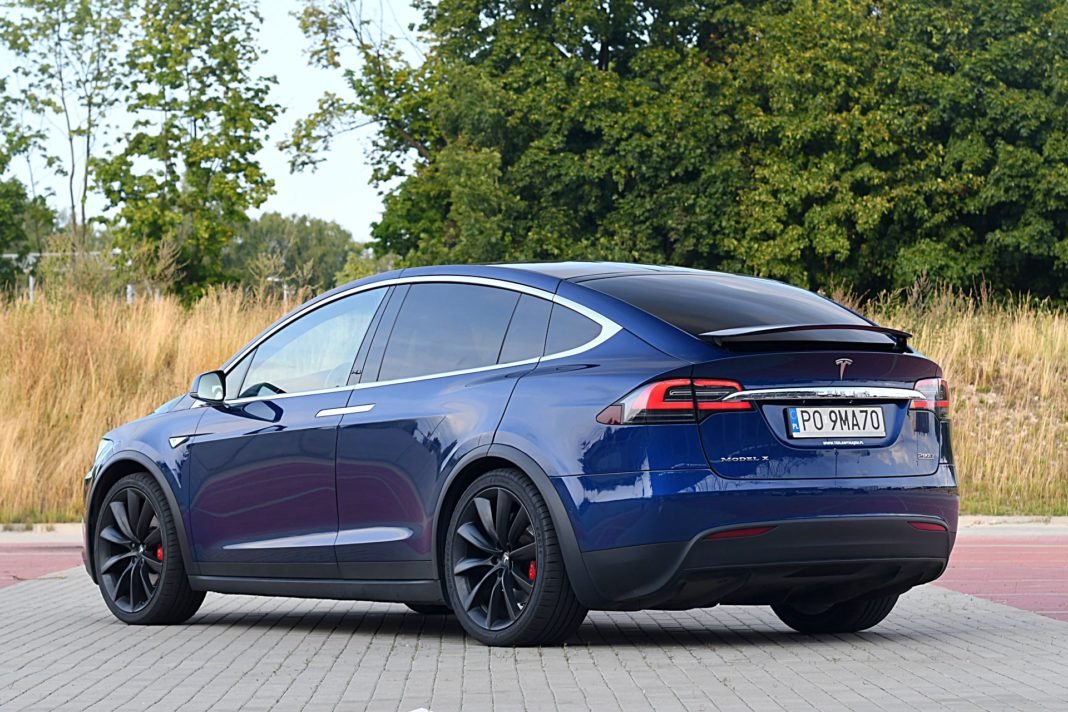 Tesla Model X Long Range – tył