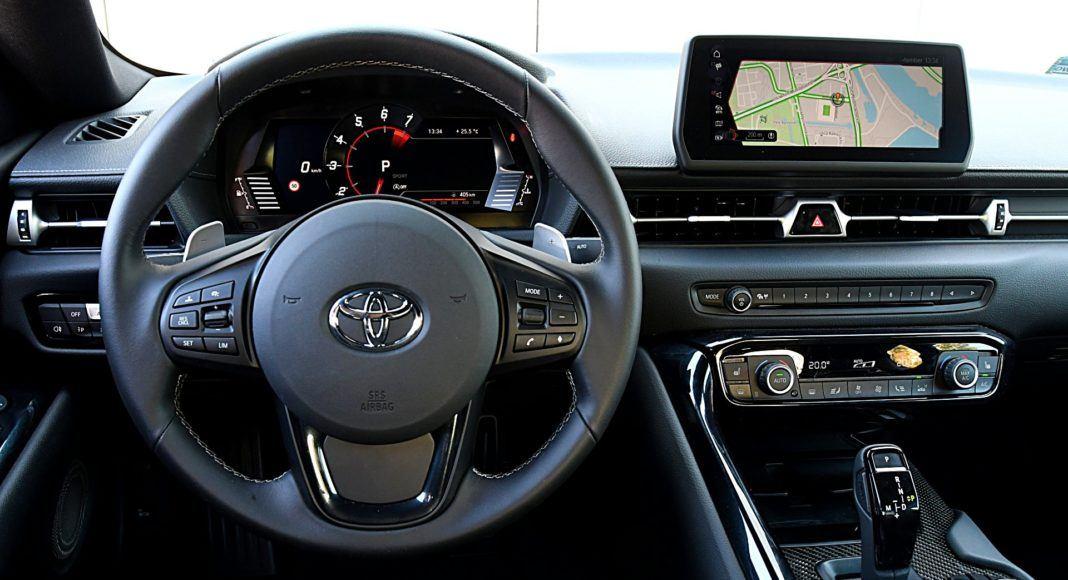 Toyota GR Supra – deska rozdzielcza