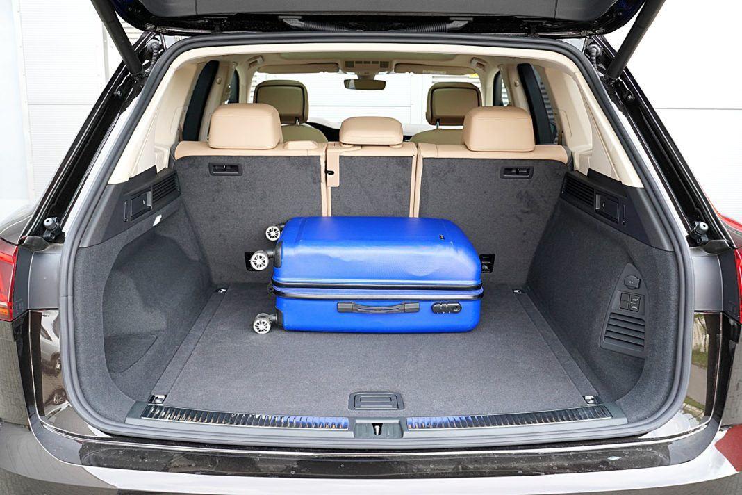Volkswagen Touareg 4.0 V8 TDI – bagażnik
