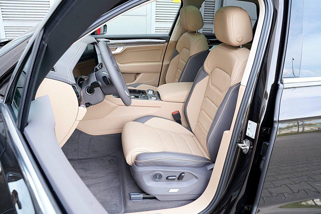 Volkswagen Touareg 4.0 V8 TDI – fotele