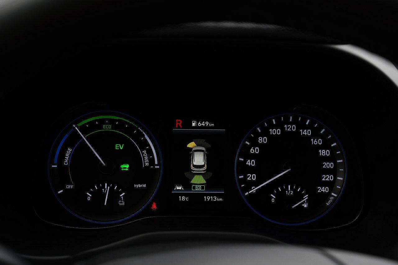 hyundai kona hybrid zegary wskaźniki