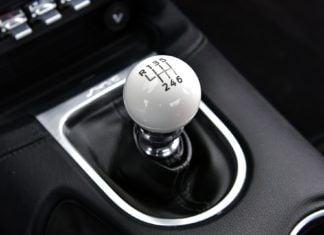 Samochody elektryczne popularniejsze od aut z manualną skrzynią biegów