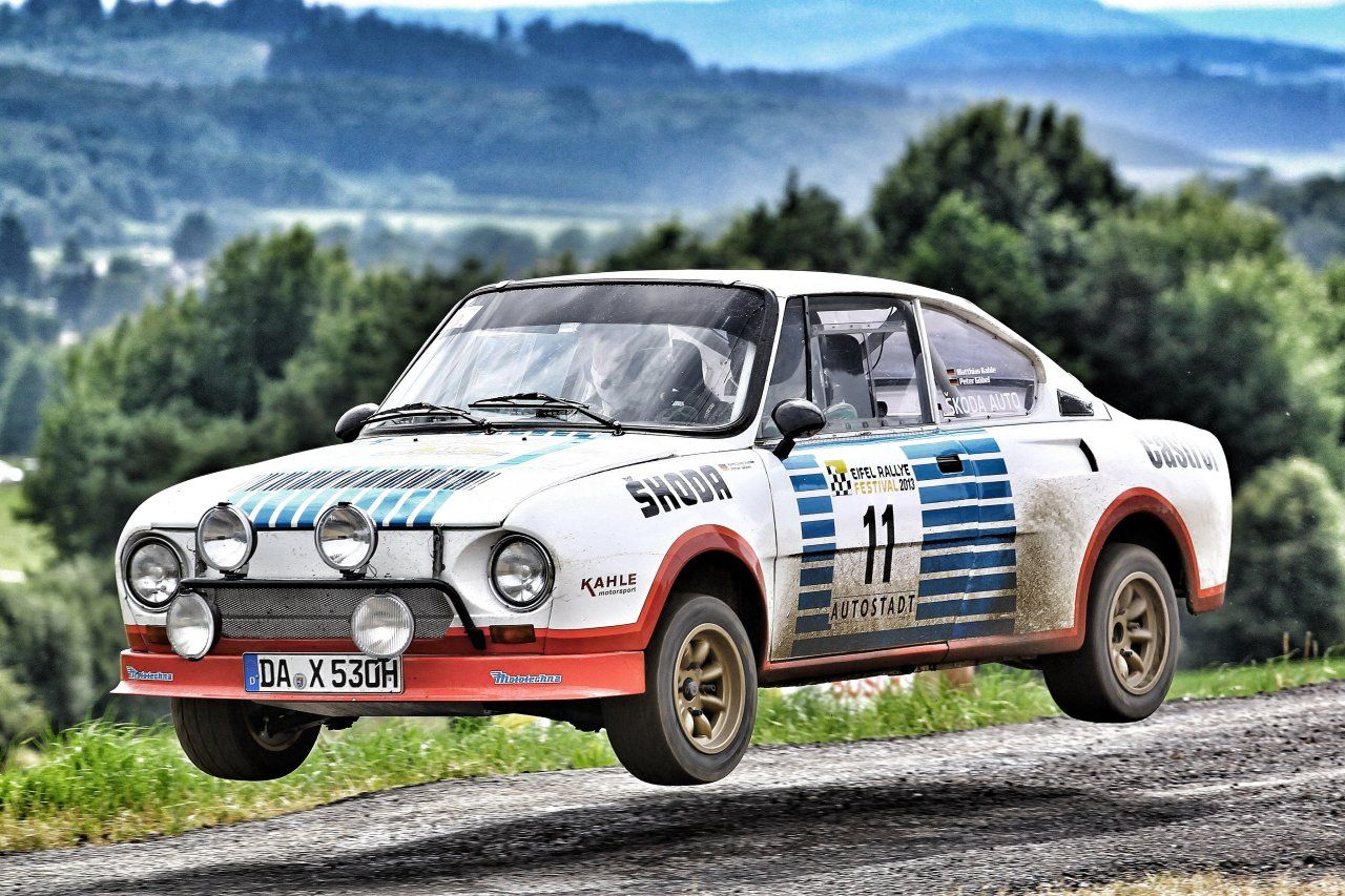 skoda_130_rs_rally_car_10