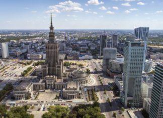 Najlepsze miasta dla kierowców. Warszawa dopiero na 80. miejscu