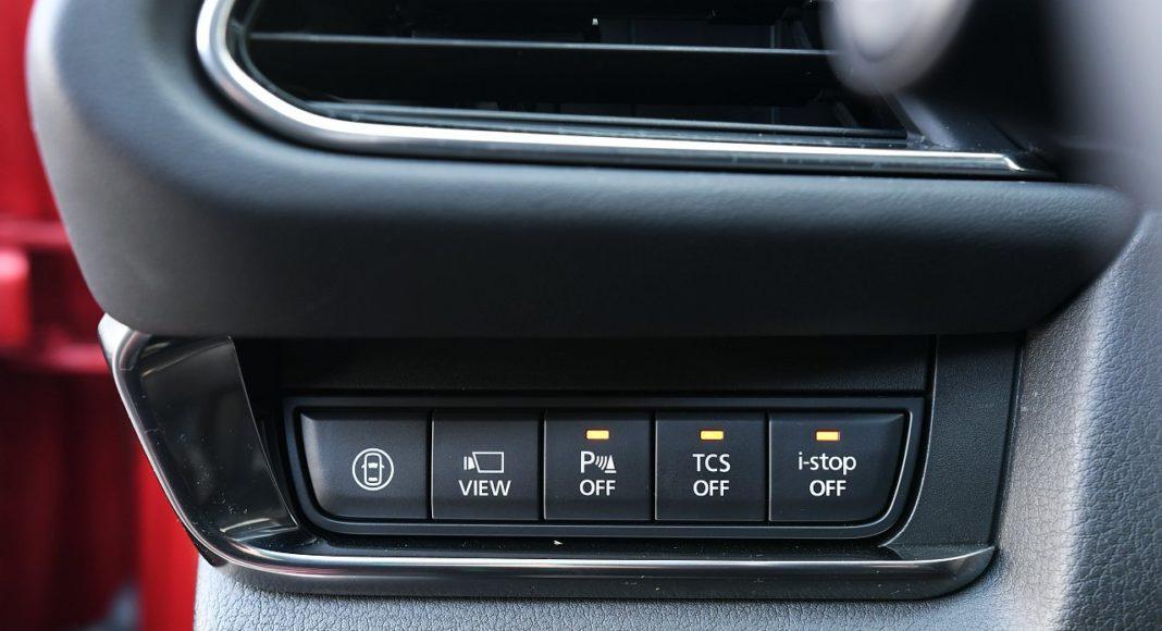 Mazda CX-30 2.0 Skyactiv-G 6AT test 2020