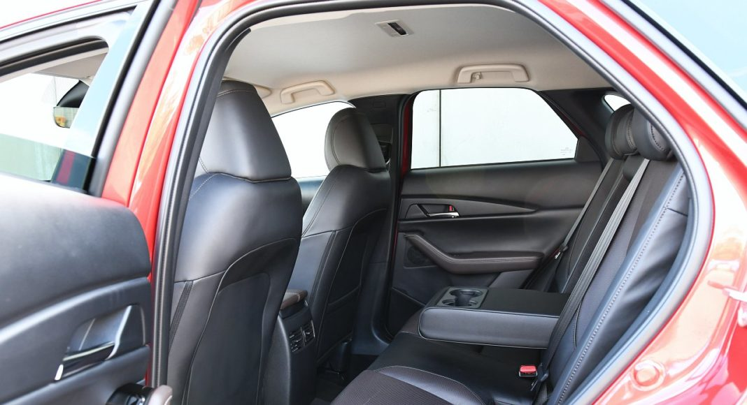 Mazda CX-30 2.0 Skyactiv-G 6AT test 2020 fotele tył kanapa
