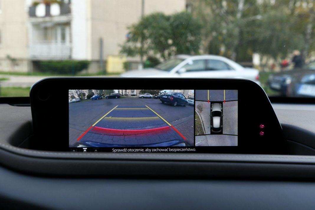 Mazda CX-30 2.0 Skyactiv-G 6AT test 2020 kamery 360 stopni