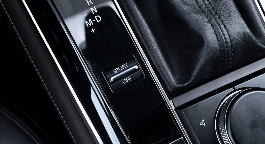 Mazda CX-30 2.0 Skyactiv-G 6AT test 2020 tryb sport