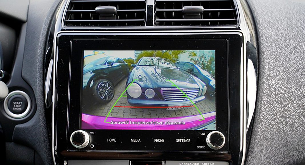 Mitsubishi ASX 2.0 CVT Intense Plus – kamera corania
